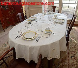 Imperial Embroidery Oval tablecloth