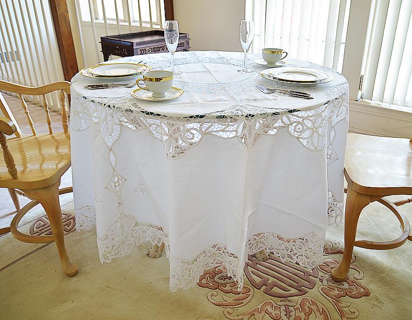 """Battenburg 90"""" Round Tablecloth"""
